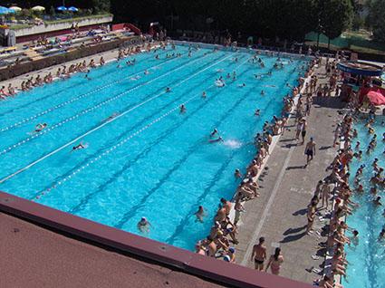 La piscina di Crema; la foto è tratta dal sito www.piscinacrema.it